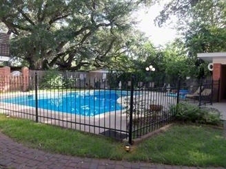 Royal Oaks photo – pool